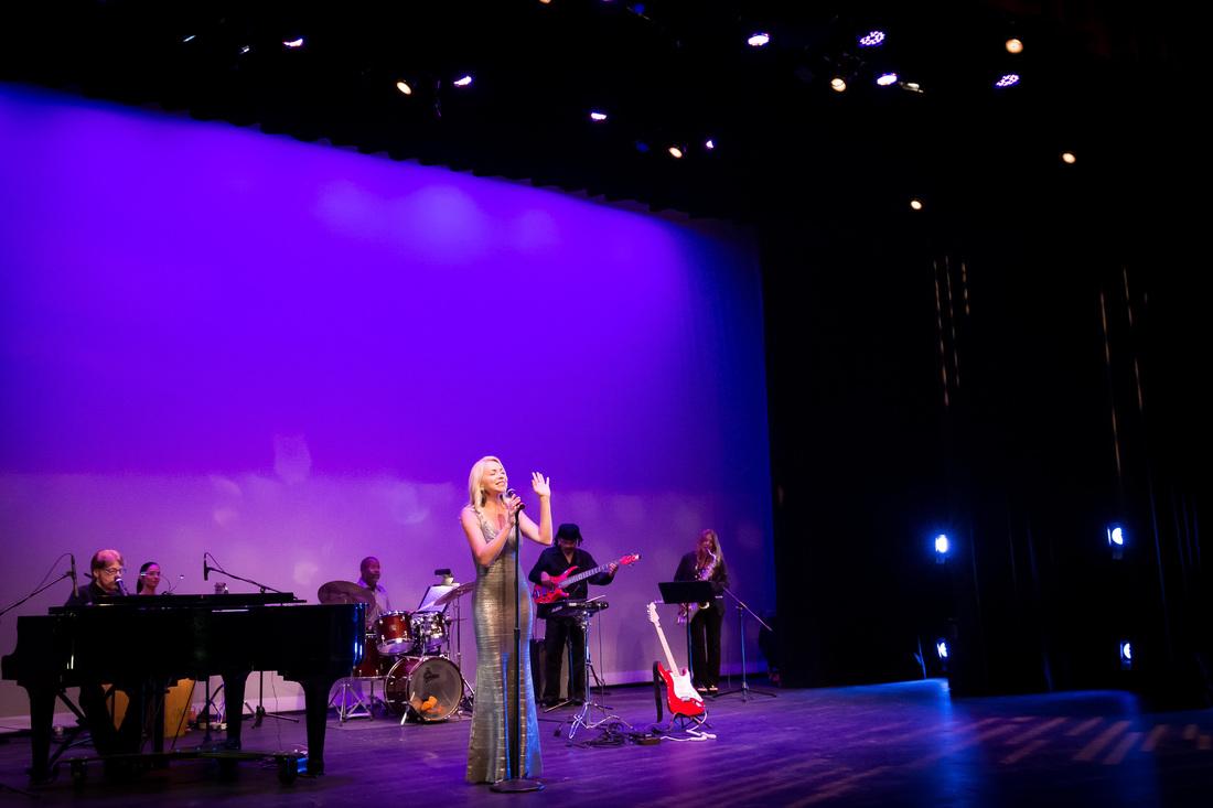 Anne-Danes-Photos-Singing-In-Elegant-Dress