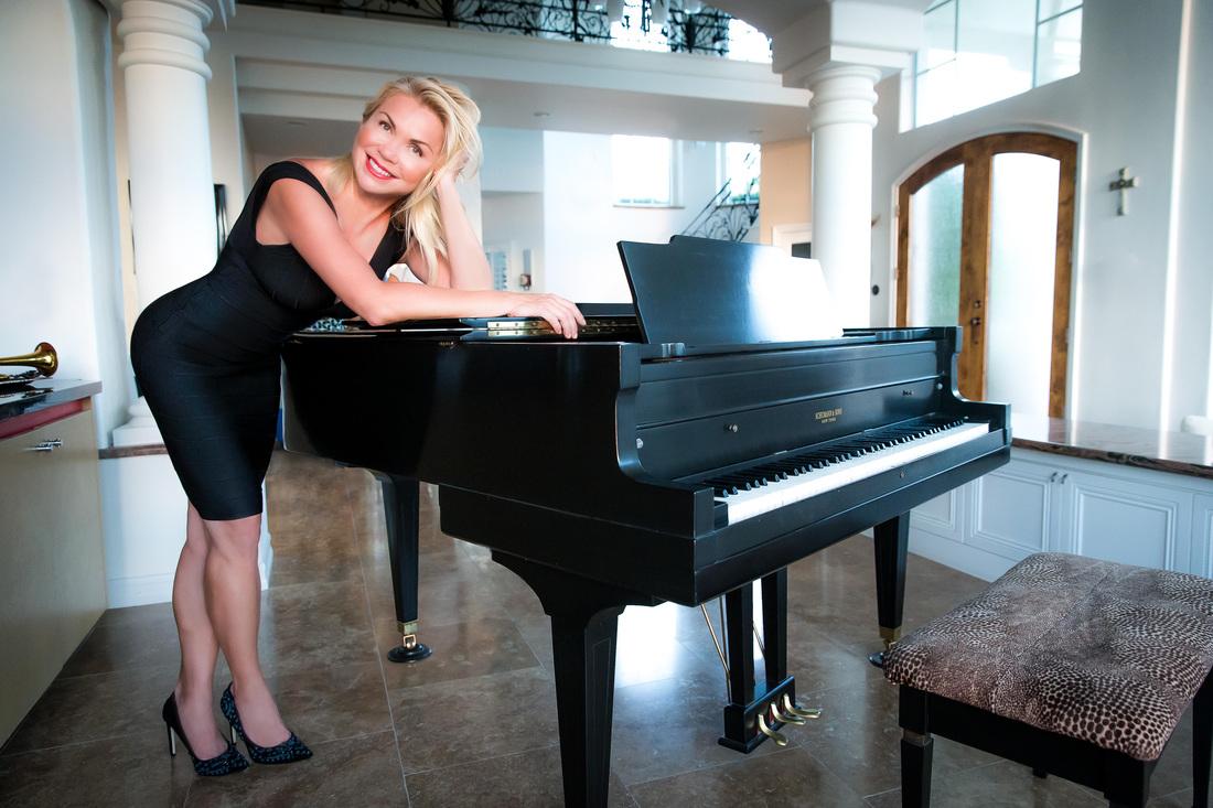 Anne-Danes-Video-The-Jazz-Singer